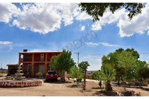 Hermosa Casa De Campo En Tecate, Donde Podrás Disfrutar De Cálidos Veranos Y Nevados Inviernos