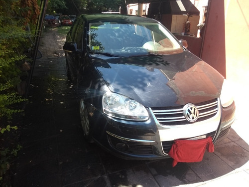 Volkswagen Vento 2.5 A.t Luxury