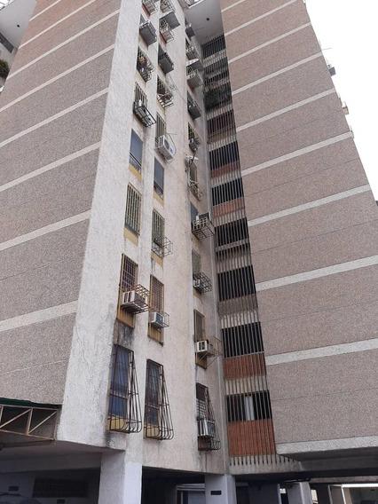 Apartamento En Venta Av 19 De Abril 04243341848