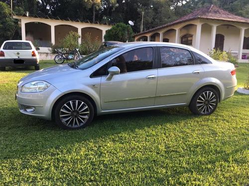 Fiat Linea 2011 1.8 16v Absolute Flex Dualogic 4p