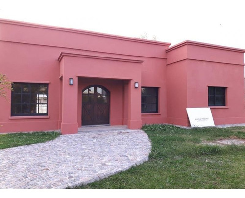 Casa 4 Amb. En Gral. Rodriguez - Barrio Cerrado La Cesarina