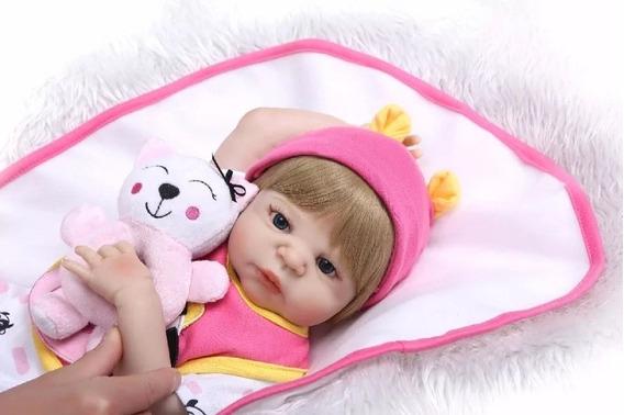 Boneca Bebê Reborn Corpo De Silicone 56 Cm Com Ursinho Lindo