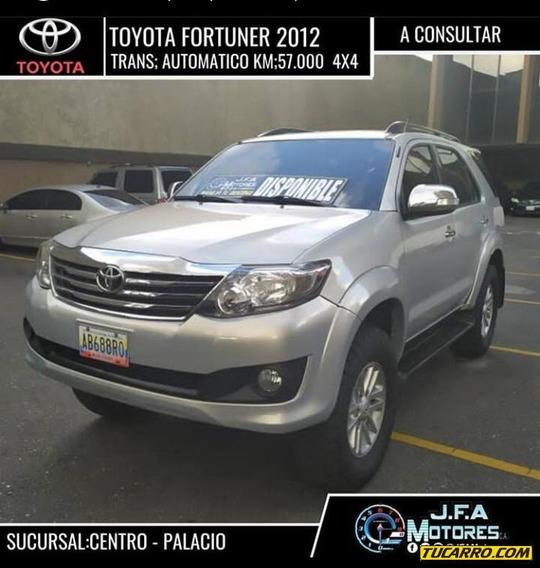 Toyota Fortuner Automatico
