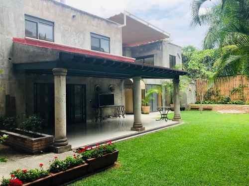 Casa En Venta En Fraccionamiento Vista Hermosa Cuernavaca