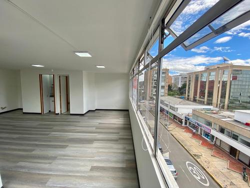 Oficina Arriendo Bogota, Chicó. 71m2 Piso 5 Esquinera