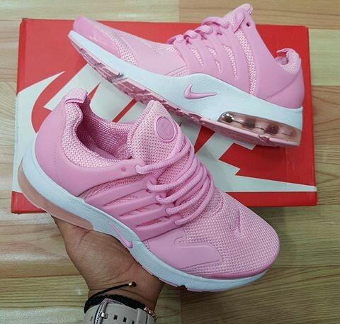 Tenis Nike Dama. Importados
