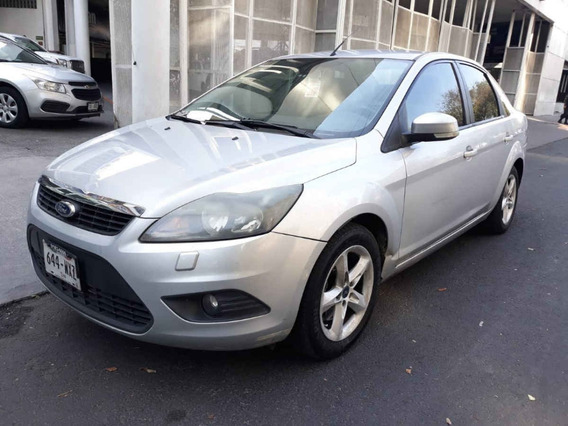 Ford Focus 4p Sedan Sport 5vel
