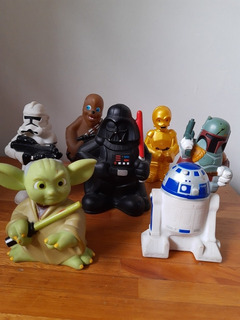 Figuras Star Wars Disney Con Estuche Original.