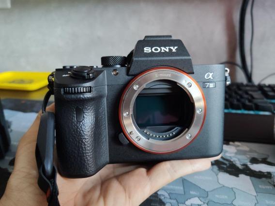 Kit Sony A7iii + Lente Fe 28-70mm (sel2870) + Extras