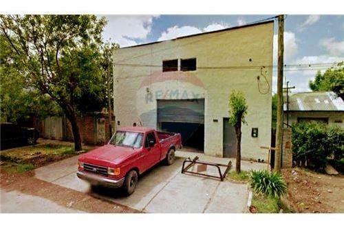 Galpón - Depósito A Mtrs De Avenida 520, La Plata