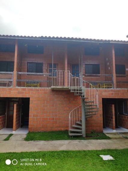 Loft Com 2 Quartos, Sala, Coxinha, Banheiro