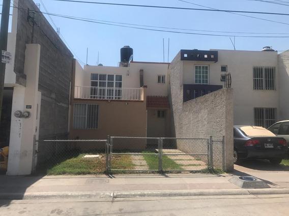 Casa En Venta Fracc. Villas De Jacarandas En Privada