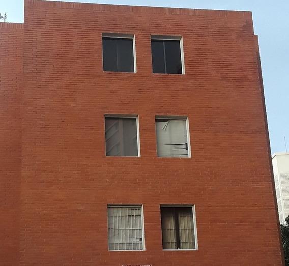 Rov & Ward, C.a, Alquila. Oficina. Zona De Revalorizacion.
