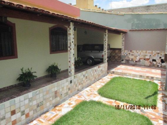 Casa Com 3 Quartos Para Comprar No Santos Dumont Em Divinópolis/mg - 2547