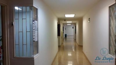 Oficina-consultorio En Arriendo En Medellin - Centro