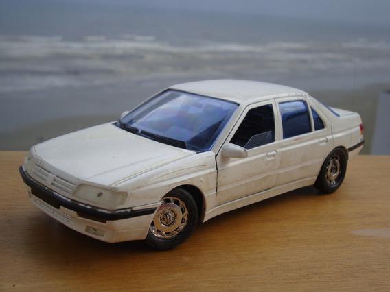 Peugeot 605 Majorette 1/18 Branco