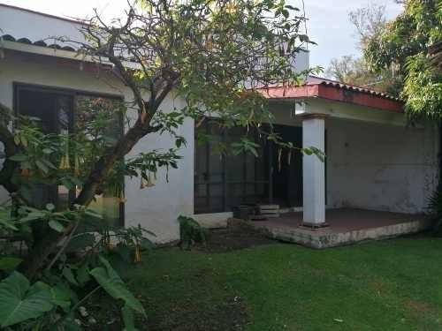 Vendo Casa Sola Con Excelente Ubicación En Cuernavaca