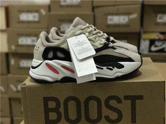Zapatillas adidas Yeezy Boost 700 Runner - Unisex