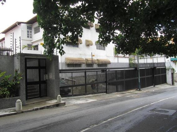 Casa En Venta Clnas De Bello Monte Código 20-488 Bh