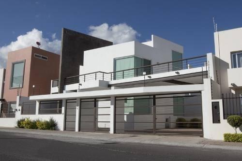 Se Vende Hermosa Residencia De Autor En Juriquilla, Doble Al