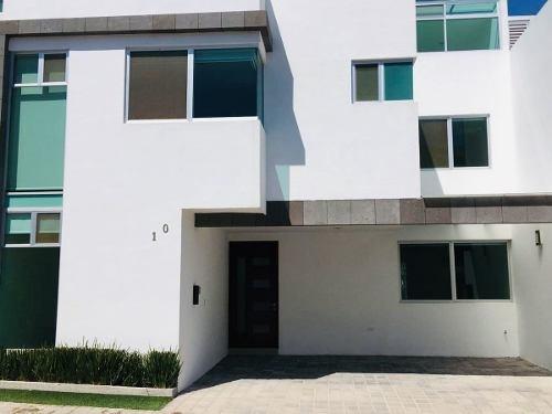 Venta De Casa En Lomas De Angelópolis