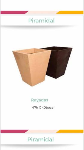 Maceta Piramidal Rayada Plástico Rotomoldeado 47x40 De Boca