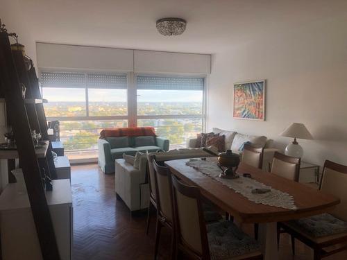 Se Vende  Apartamento En Centro De Montevideo