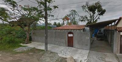 Vendo Casa Em Araruama, Aceitamos Financiamento Pela Caixa.