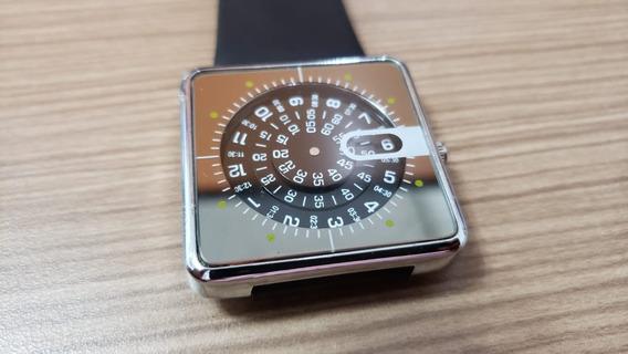 Relógio Quadrado Importado Geek - Novo