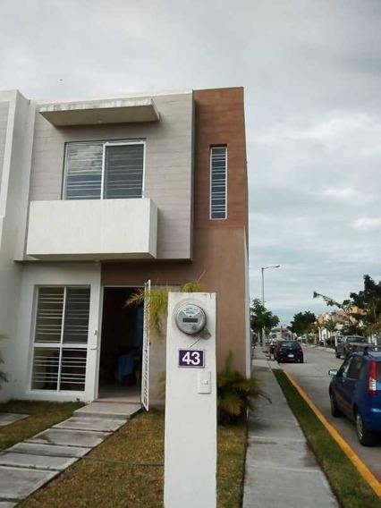 Casa En Venta En Lagos De Puente Moreno