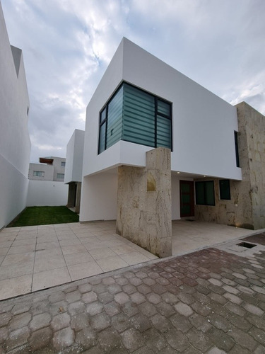 Imagen 1 de 14 de Casa De 3 Y 4 Recamaras Con Baño