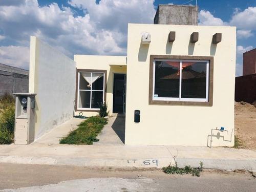 Casa En Privada Con Seguridad, Frente A Area Verde