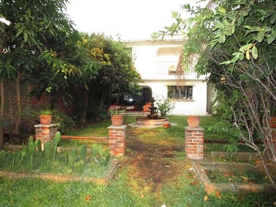 Casa En Venta En Fraccionamiento Con Vigilancia 24 Hrs.