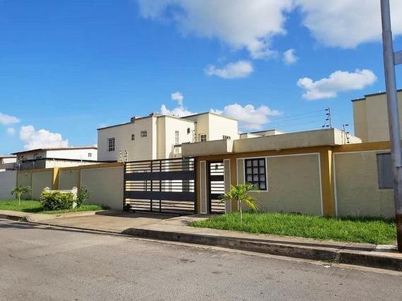 Townhouses En Venta Juanico Villas Bucare