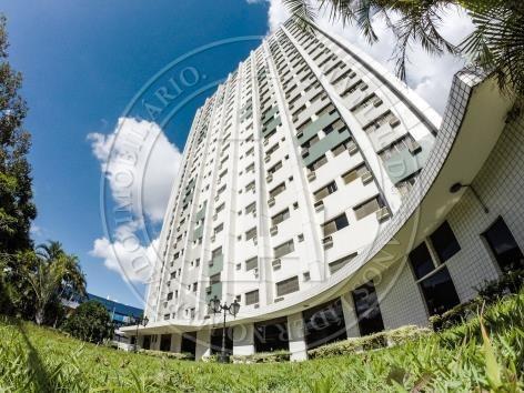 Apartamento 05 Dormitorios 03 Suites - Loc998028