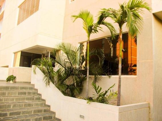 Apartamento En La Lago Luis Infante Mls #19-19390