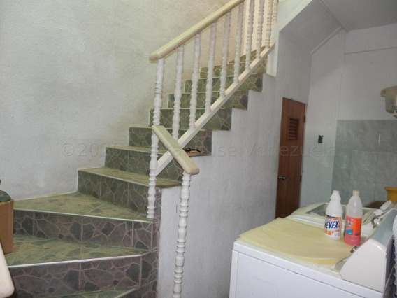Apartamento En Alquiler Centro Cabudare Jrh 21-3226
