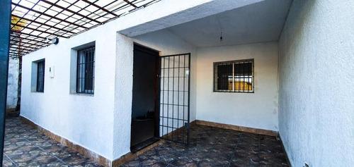 Casa De 3 Dorm, Garaje Y Patio!!! Financia!!