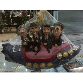 Figura De Resina De Los Beatles En El Submarino