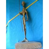 Estatuilla Don Quijote De La Mancha En Bronce Antiguo