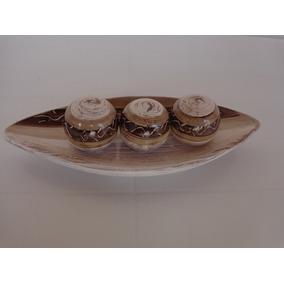 Prato Decorativo De Cerâmica Barca Com 3 Bolas Linda Peças