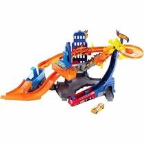 Brinquedo Hot Wheels Cidade Em Chamas Mattel