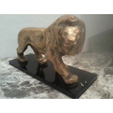Excelente Escultura Artdeco Leon De Bronce Base Baquelita