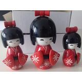 Trio Bonecas Kokeshi Japonesas De Madeira Vermelho