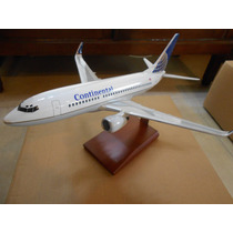 Boeing 737-700 Continental Airlines Escala 1:100