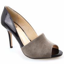 Sapato Feminino Peep Toe Em Camurça E Verniz Salto Forrado