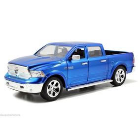 Jada 1:24 Trucks 2014 Dodge Ram 1500 Negra/roja/azul