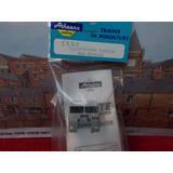 Freighliner White Kit Ho Athearn