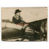 Antigua Fotografia Hombre En Avion Parque De Diversiones