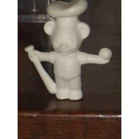 Figura Del Osito Bimbo Beisbolista.